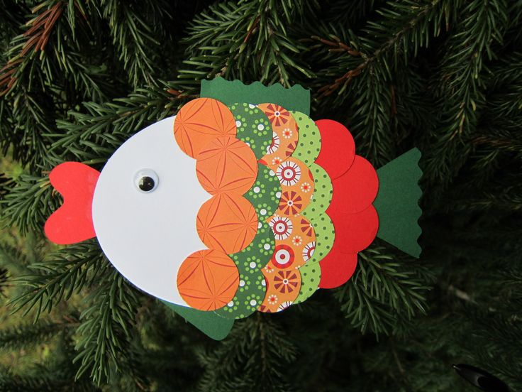 Tvoření pro děti - Rybka červeno-zelená Tvoření pro děti - jednoduchá skládačka k sestavení Sada obsahude díly ke slepení rybičky. Lze použít jako samostatnou dekoraci, nalepit na přáníčko, nebo třeba zavěsit na větev, vánoční stromeček,... Součástí balení je i návod a obrázek pro inspiraci k hotové rybičce. Výsledná velikost cca 15x11cm Výroba rybičky je ...