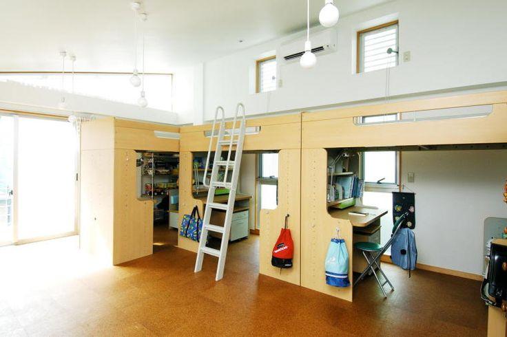 3人の男の子が仲良く使う子供室|HouseNote(ハウスノート)