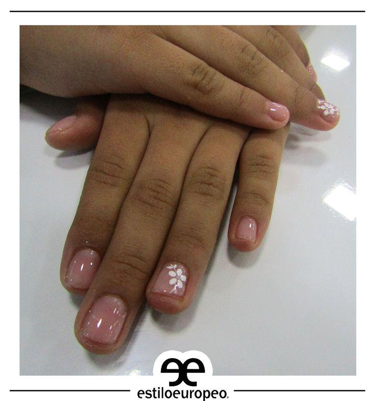 ¡Diseños para las más conservadores en tonos rosa combinados con blanco! ¡Visítanos, Calle 10 # 58-07 B/ Santa Anita! Citas: 3104444 #Nails #Peluquería #Estética #SPA #Bronceado #Cali #CaliCo #Colombia