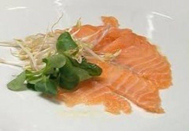 Carpaccio di salmone agli agrumi