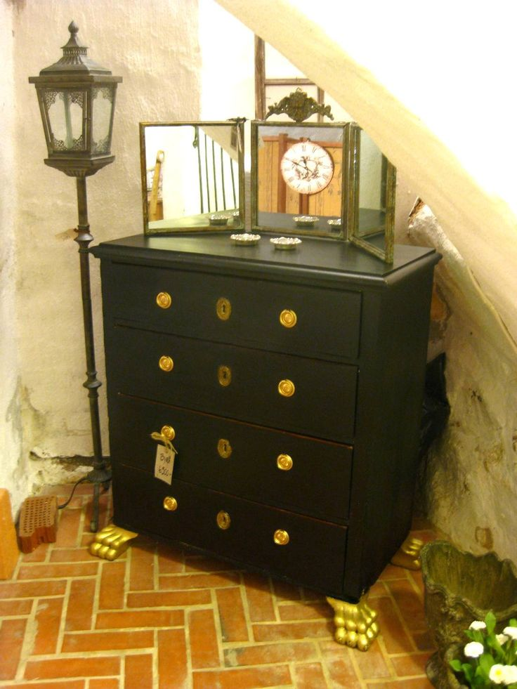 Shabby glam chest of drawers