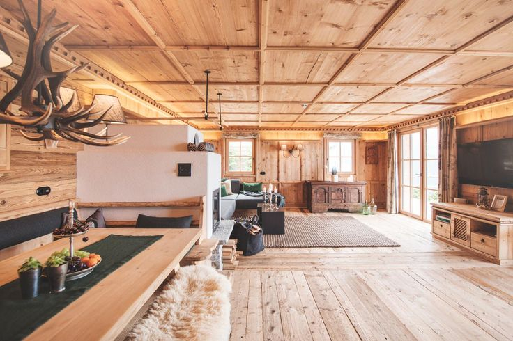 Innenansicht des Wohnbereiches der Luxus Chalets Sporer Alm im Zillertal