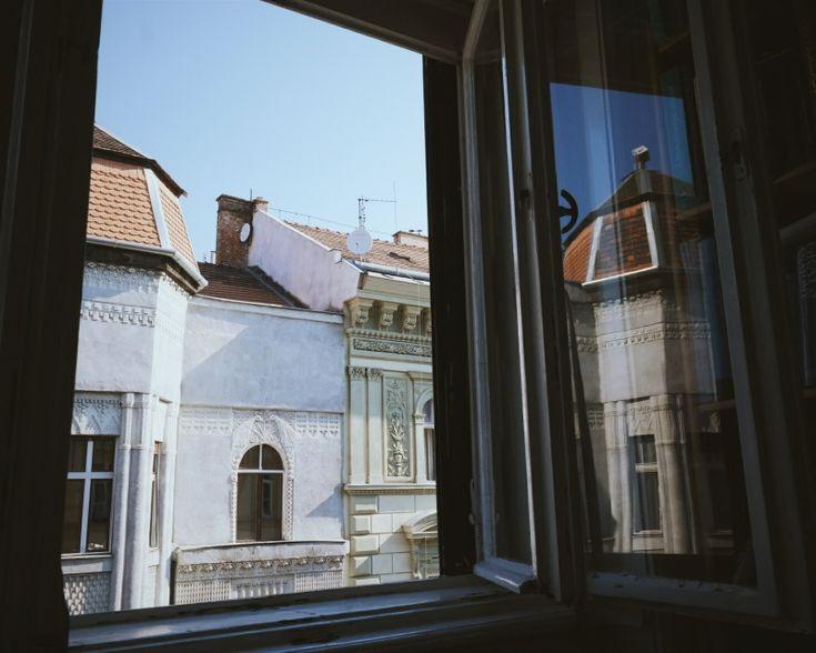 Kilátás az ablakomból. Ehhez nincs mit hozzátenni. #windows #sunday | ostorosagnes | VSCO Grid