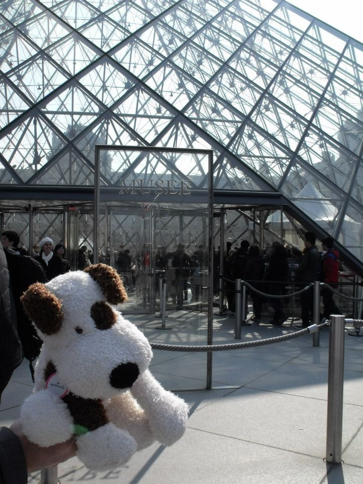 Rocco at the Louvre