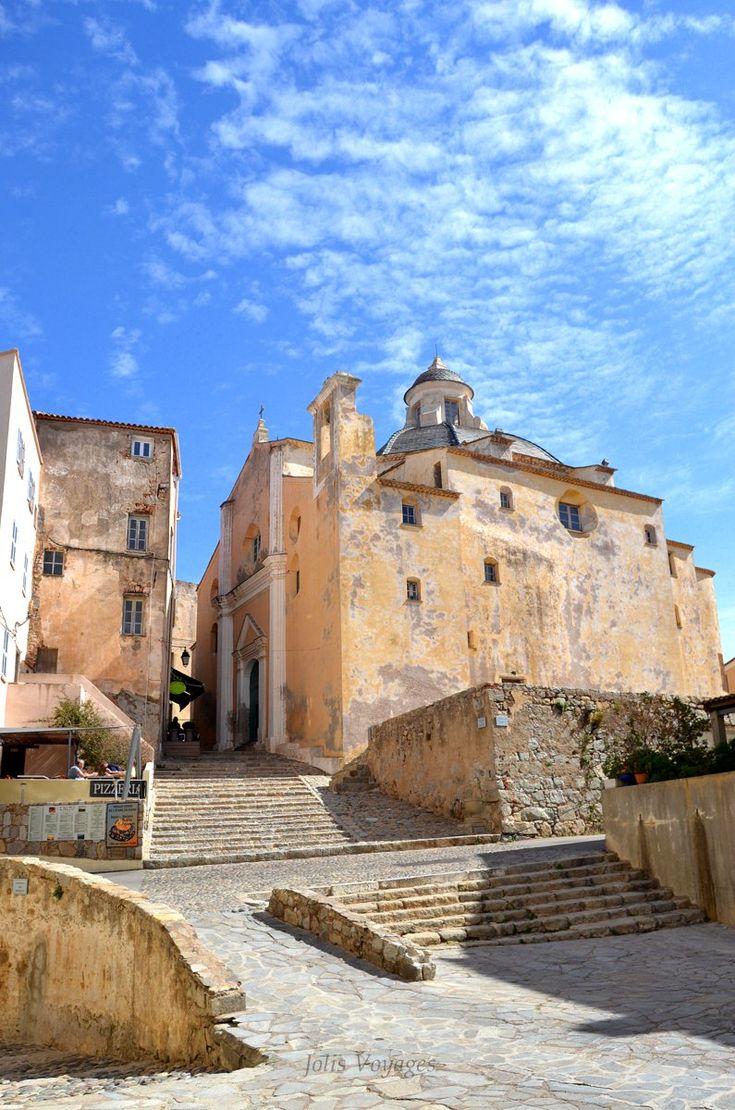 Itinéraire de l'Île Rousse à Calvi en Corse : la sublime citadelle de Calvi.