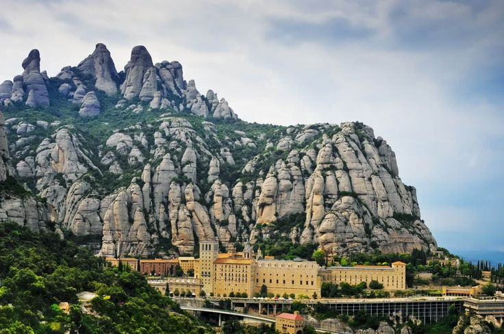 Monasterio de Montserrat. #Barcelona #LugaresMaravillosos