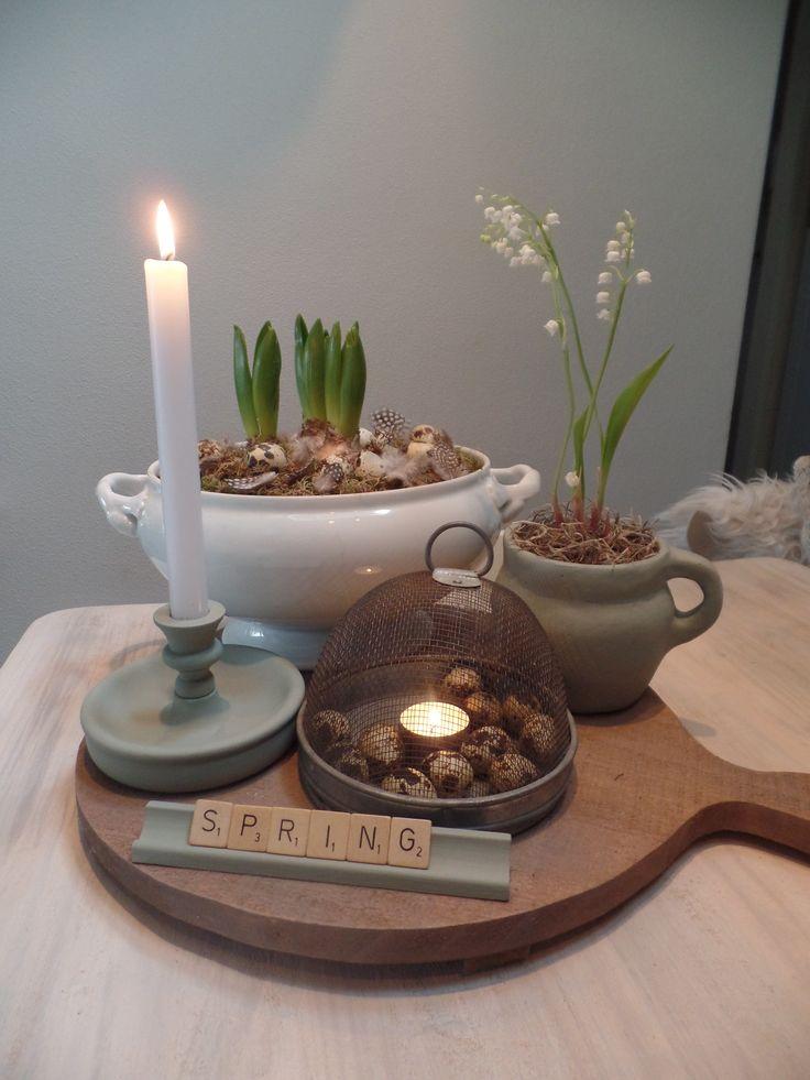 25 unieke idee n over lente decoraties op pinterest paasdecoratie letter deur kransen en pasen - Entree decoratie ...