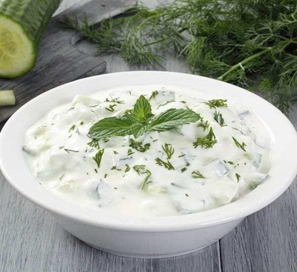 طريقة عمل سلطة الزبادي بوصفات سهلة وسريعة Greek Yogurt Sauce Cucumber Yogurt Tzatziki