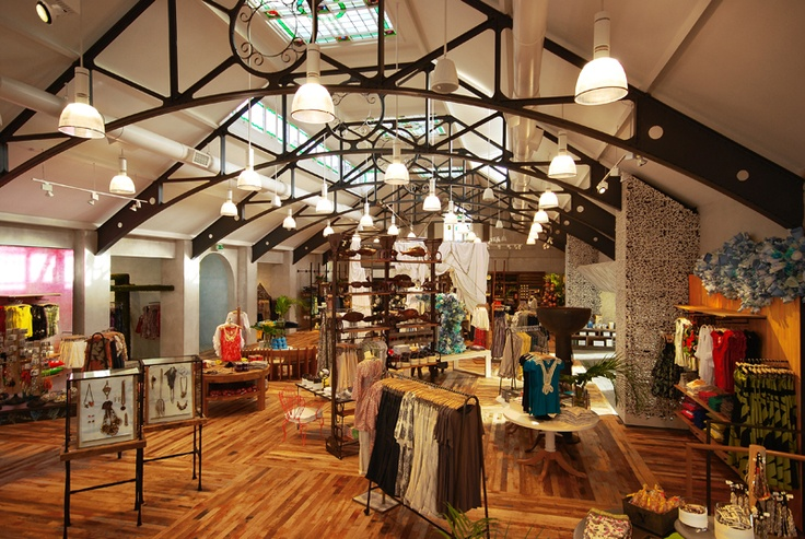 53 best images about anthropologie interior on pinterest for Anthropologie store decoration ideas