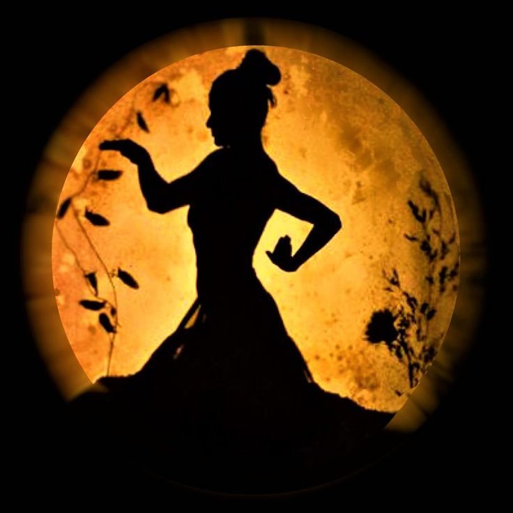 MWS shadow dancing as a growing plant under the moonlight. from the production: Dreaming Life
