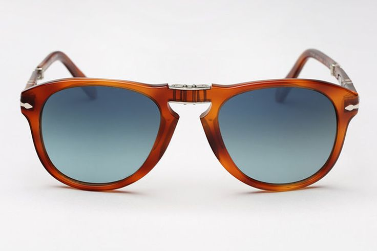 Persol is bringing back its Steve McQueen edition of the folding 714 with new…