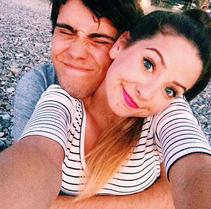 Aww. Zoe and Alfie look so cute in this picture.