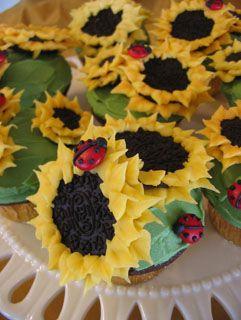 Sunflower cupcakes with ladybugs :): Ladybugs Cupcakes, Oreo Sunflower Cupcakes, Birthdays, Country Wedding, Kids Teachers, Creative Cupcakes, Cupcake Decoration, Wedding Cake, Oreo Cupcakes