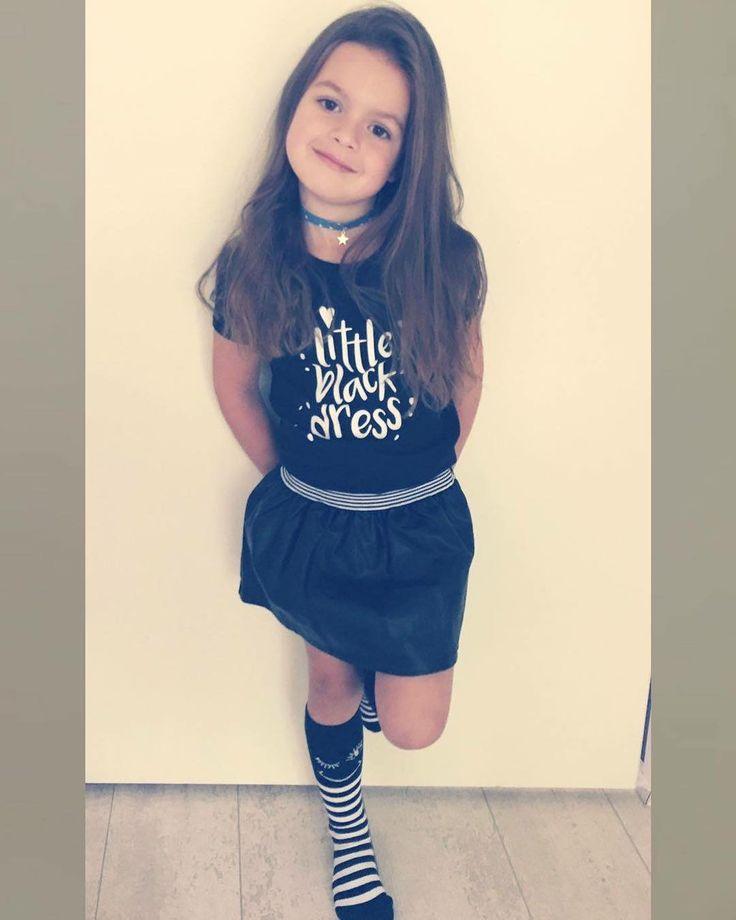 """12 Likes, 2 Comments - Girlslabel (@girlslabel_) on Instagram: """"Kijk prachtige Livea Mae een shinen in haar nieuwe Z8 jurkje! 😍 Je shopt 'm op de site *link in…"""""""