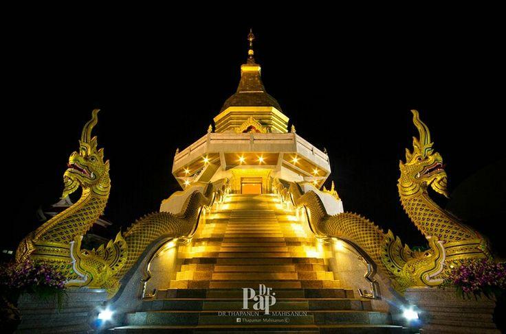 วัดโพธิ์สมภรณ์ (Wat Phothisomphon) ภาพจาก p. Udon thani,Thailand