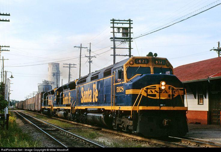 420 best santa fe images on pinterest santa fe train for Ace motors topeka ks