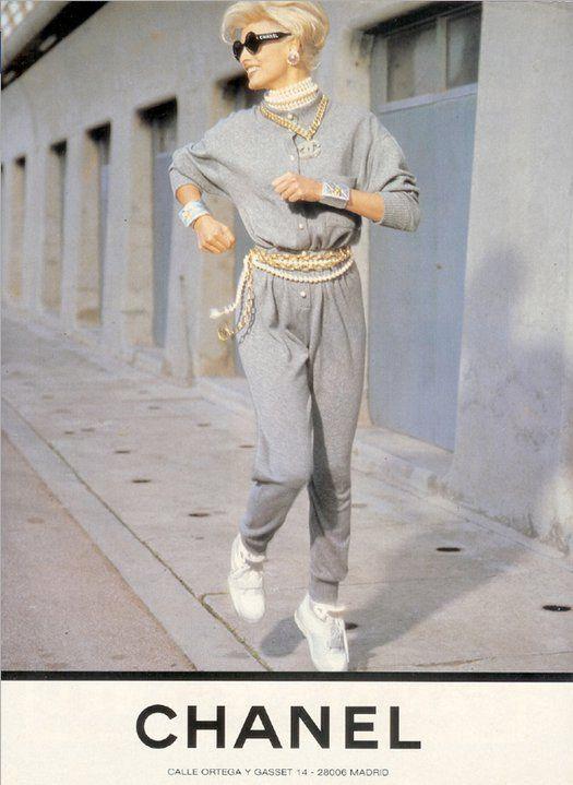 Vintage Chanel Ad- Linda Evangelista