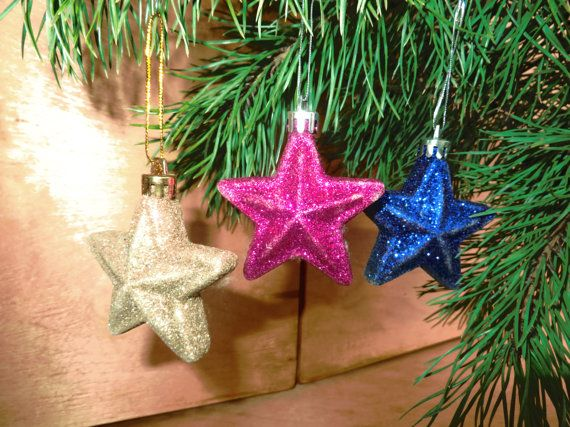 Set of 3 plastic sparkling stars. Post-soviet #Christmas decorations.  Height is 6,5 cm (without loop). Width is 6,5 cm. #christmas #vintage #ussr #decorations #ornaments #postsoviet #1990s