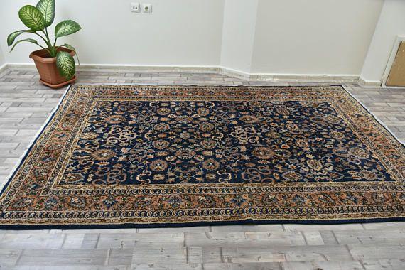 LARGE OUSHAK, 295 x 186 cm 116 x 73 inches