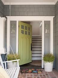 I love this color of green on the door!