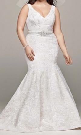 Oleg Cassini 8CWG621, $ 500 Size: 18W | New (unchanged) wedding dresses
