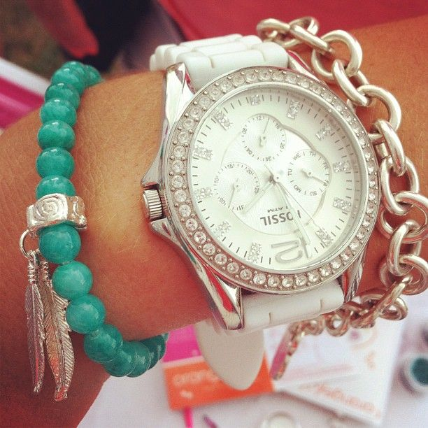 Everyone's loving the new feather bracelets. It's another Orangefish #armparty