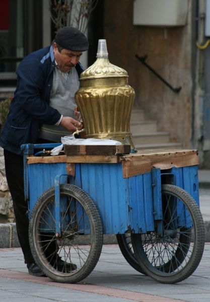 tea vendor in Turkey