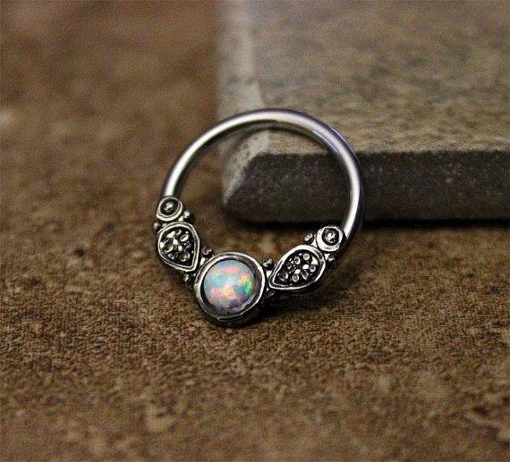 White Opal Fire Conch Hoop Earring Cartilage Helix door Purityjewel