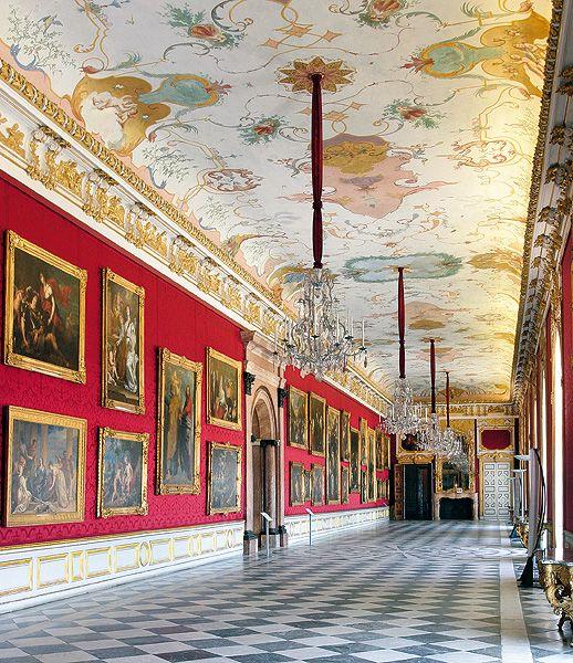Bayerische Schlösserverwaltung | Schlösser | Neues Schloss Schleißheim