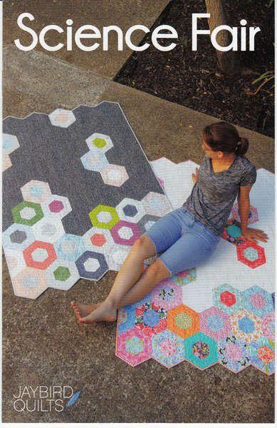 1 couette motif, Expo-sciences par Jaybird courtepointes. Moderne patchwork avec des hexagones