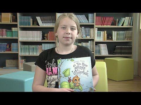 """Victoria stellt ihr Lieblingsbuch """"Die kleine Spinne Widerlich"""" von Diana Amft vor. Das Buch erzählt die Geschichte einer Spinne, die herausfinden möchte, wa..."""