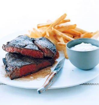 Broiled Steak with Horseradish Cream / Romulo Yanes
