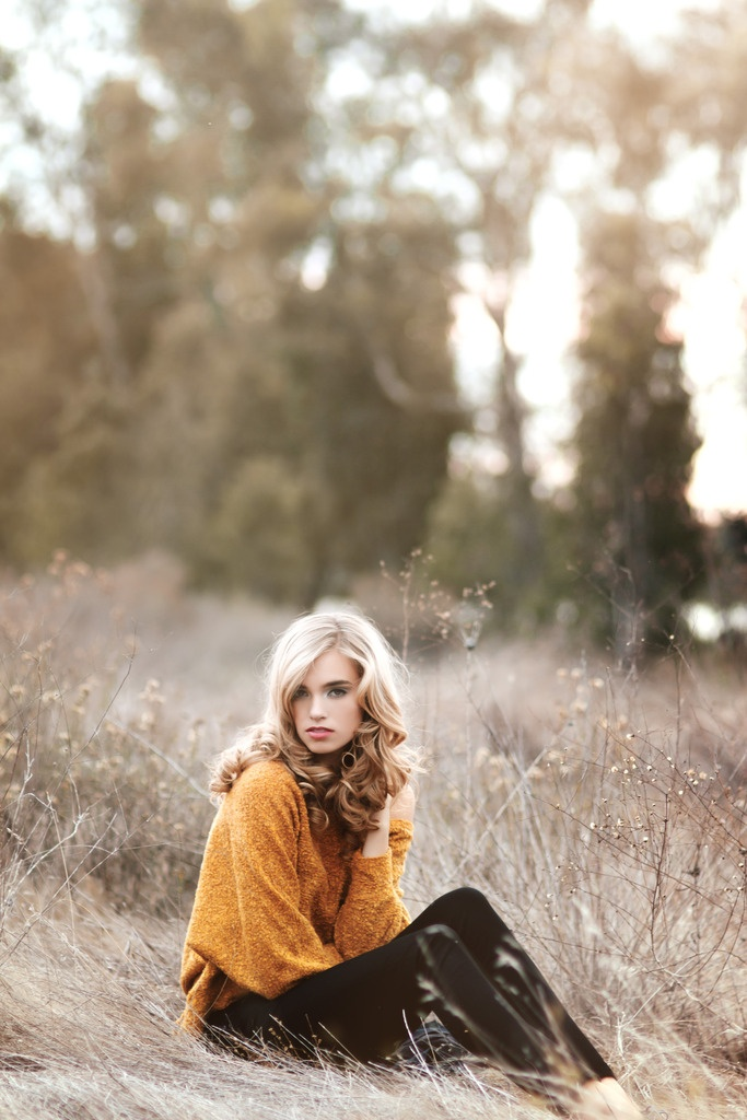 Mustard sweater with black leggings