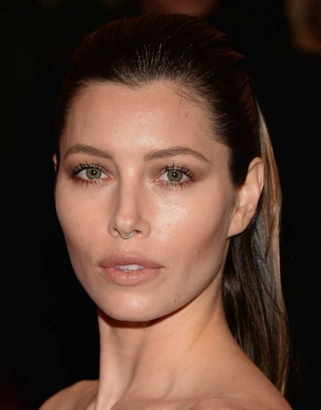 Met Gala jewellery  - Jessica Beil owning a small septum piercing (Givenchy inspired? probably)