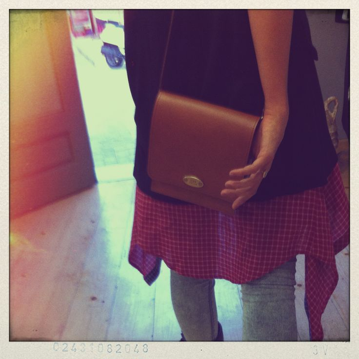 Love ay first sight! Leather purse.. #viceversa