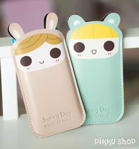 Pink and Blue Kawaii Phone Pouch from Pikku Shop | www.pikku-shop.com