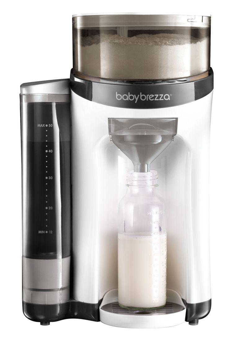 """En helautomatisk morsmelkerstatning- og vellingmaskin fra Baby Brezza. Formula Pro har en stilren design og mikser morsmelkerstatningen med et enkelt knappetrykk. Maskinen doserer perfekt mengde, temperatur og konsistens, slik at melken blir helt fri for klumper og bobler. <br><br>Fyll vann i vanntanken og pulver i pulverbeholderen på din Baby Brezza Formula Pro og velg siden ønsket mengde ferdig drikke. Du velger mellom 60ml, 120ml, 180ml, 240ml, og 300ml og trykker så på """"..."""