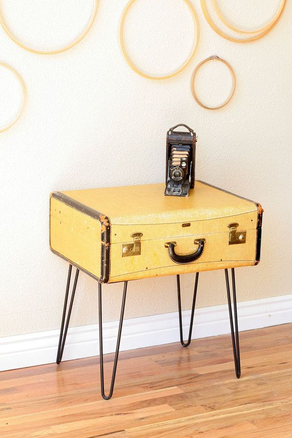 suitcase coffee table! I remember these metal legs from a table in the 60's!
