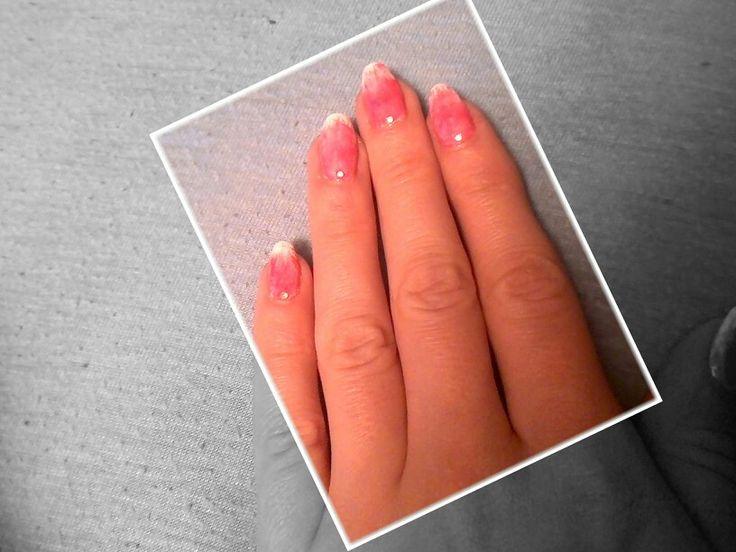 Rózsaszín és fehér