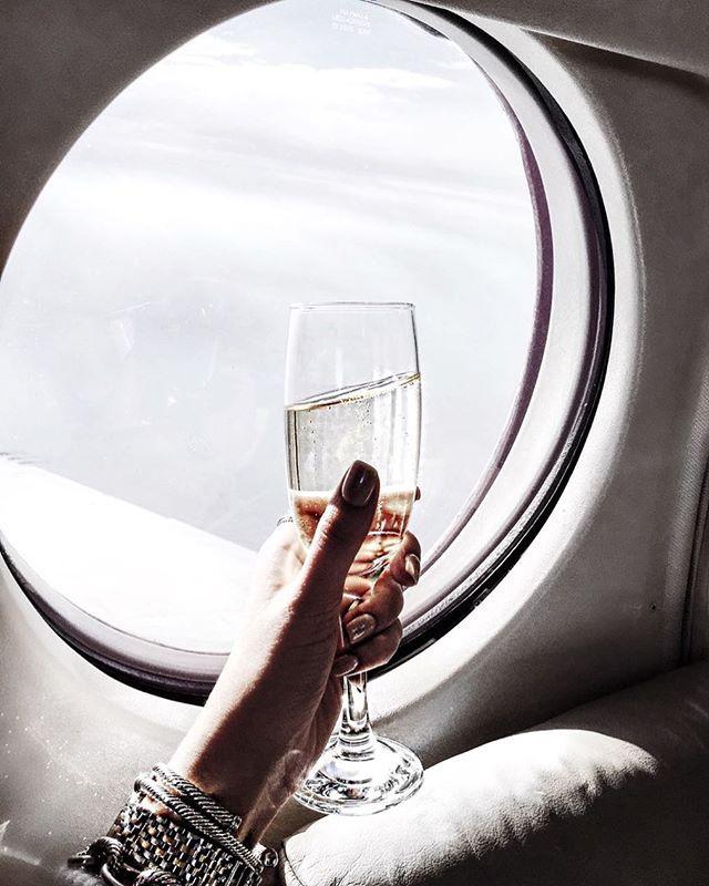 Luxury Woman On Airplane : David yurman bracelet stack on a quick getaway flight to