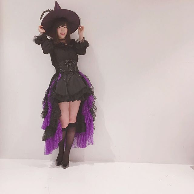 🎃🍬HappyHalloween🍭👻 . 魔女っぽいかな?? . #ハロウィン #ハロウィン仮装 #魔女 #witch #佐藤朱 #チーム8
