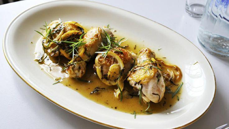 Kyllinglår med sitron og estragon.   http://www.godt.no/#!/oppskrift/1172/tre-ingredienser-kyllinglaar-med-sitron-og-estragon