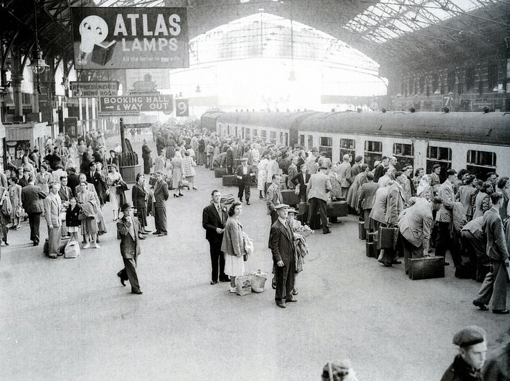 1951 Temple Meads railway station in the days before every family had a car