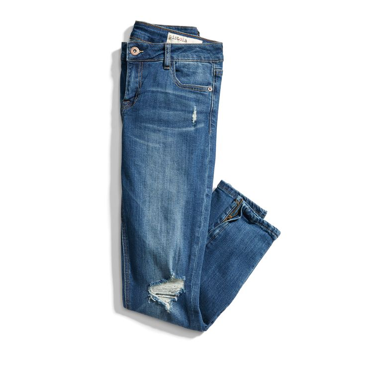 Love the color and zipper detail of these jeans. They're also just the right amount of distressed