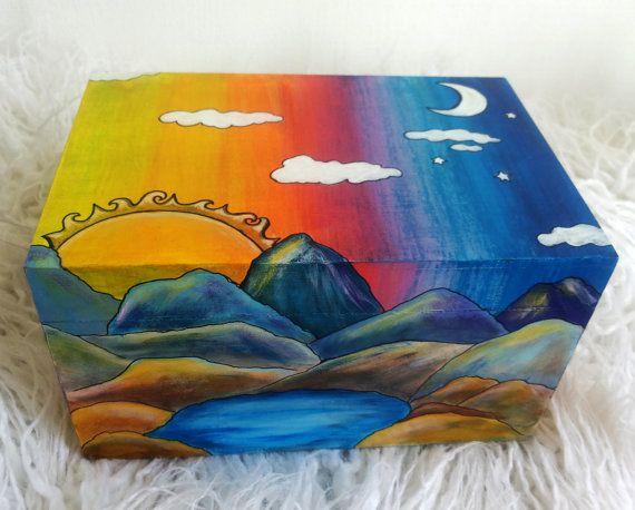 Gioielli di dipinto a mano di legno Box scatola regalo Box Alpine sole luna colorata trucco deposito Keepsake Box Organizzatore arte OOAK Multicolor unico regalo