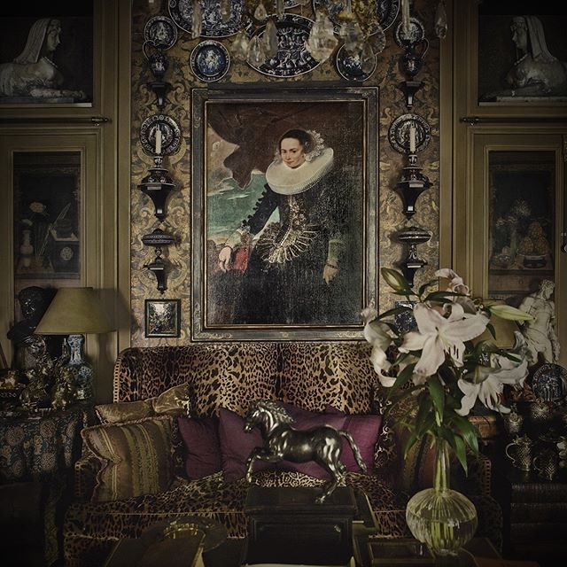 St Laurent Apartments: {DREAM HOUSE} A Leopard Clad Settee Adorned With Amethyst
