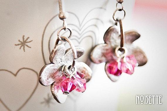 Flower svarowski earrings by noisettee on Etsy, €22.00