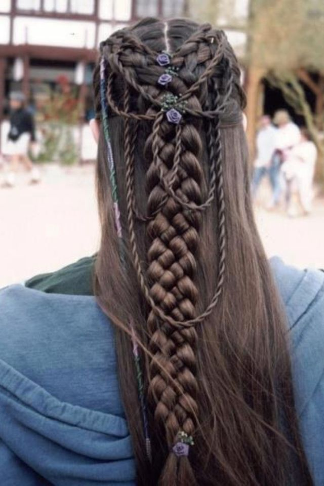 Hairstyle I found on a Viking page.