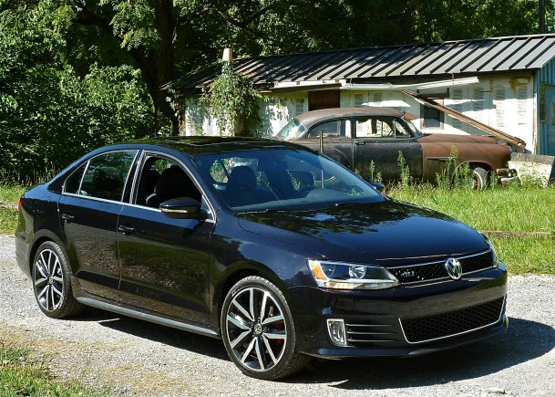 I believe I've found my next car. The Volkswagen Jetta GLI Autobahn edition.