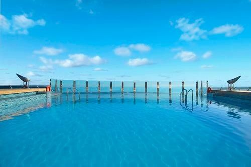 Infinity pool, MSC Divina